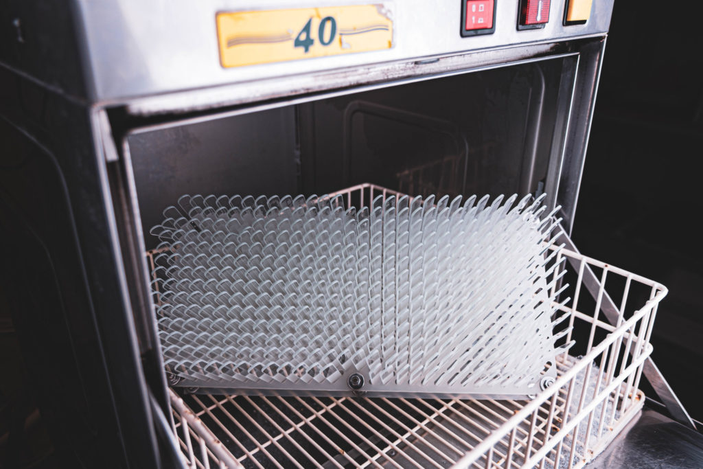 Průmyslové mytí skleněných pilníků